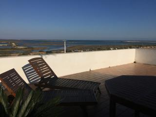 Fuseta Paradise 2 Br apart. Near the Lovely Beach, Olhao