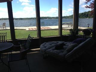 Lake front house with pier and swimming 4 bedroom, LaPorte