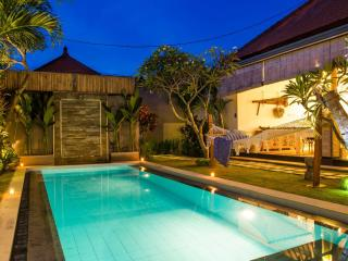 FREE CHEF - Umalas Retreat 3, (2 bed villa)