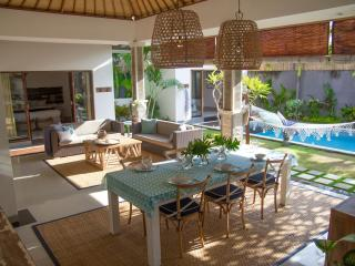FREE CHEF - Umalas Retreat III, 2 bed villa, Seminyak