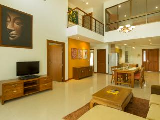 Family 4 Bedroom Suite - 4, Bangkok