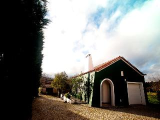 House of Art - Horta dos Cedros