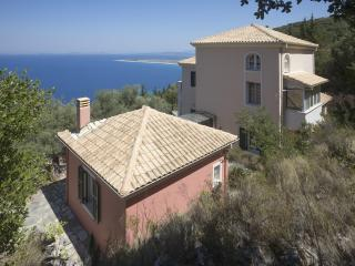 5-bedroom villa with private infinity pool, Tsoukaladhes