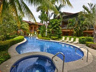 Cozy One Bedroom Condo, Perfect for Couples at Los Suenos!