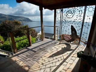 Soulmate by the sea - where mountain & sea views, tranquility and peace abound., Fish Hoek
