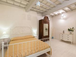 New Flat in the heart of Florence