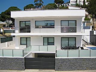 4 bedroom Villa in Roses, Catalonia, Spain - 5698313
