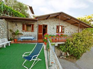 2 bedroom Villa in Massa Lubrense, Sorrento, Naples & Sorrentino Peninsula