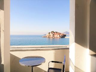 Deluxe two-bedroom apartments on the beach #B-D, Sveti Stefan