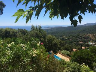 Villa near St Tropez with pool & sea view sleeps 6, La Croix-Valmer