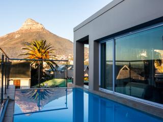 Geneva Drive Luxury Villa