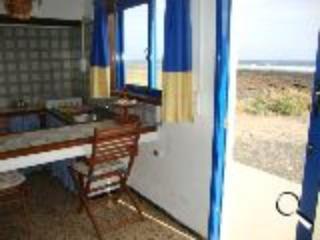 Caleta de Caballo arena, sol y playa., Teguise