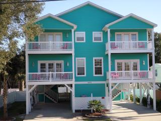 **1 Block from Garden City Beach/ Pet Friendly