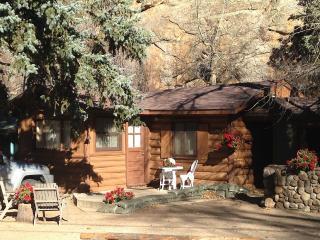 Redemption Cabin: Intimate-Upscale-Natural Retreat, Estes Park