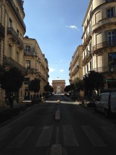 Rue Foch sur Arc de Triomphe à 200m