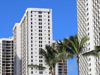 Sweetwater at Waikiki: 1 BR, Sleeps 4 Full Kitchen
