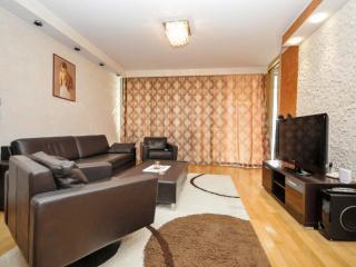 Budva Three Bedroom Apartment (338)