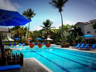 L'Escape | Perfect Luxury | Beach | Pool, Cas En Bas