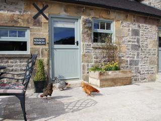 Winnow Stables - luxury barn, Dovedale, sleeps 4