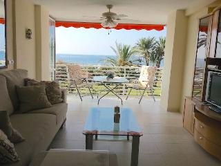 Frontline beach apartment, Orihuela
