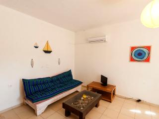 SIROKO Apt, 100m from the beach