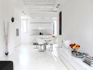 STYLISH FLAT IN FERRARA VERY CLOSE TO THE CENTER