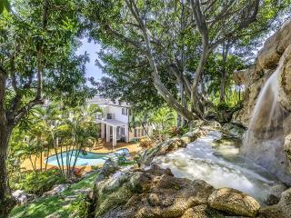Paradise Rental w/Pool&Spa and Hillside Waterfall, Honolulu