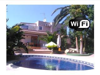 Palm - Villa con piscina privada. 10 personas max.