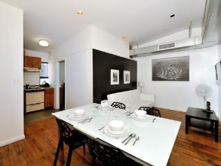 Cozy 3BR/1BA for 8 - Midtown West by Times Square