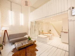 Antwerp Loft #2 (superb location!), Anversa
