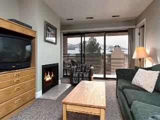 Mountain-View 2BR w/ Fireplace – Near Skiing & Main Street, On Shuttle Route