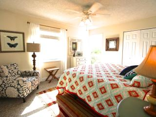 Casa Van Lopik (Canal) – In Siesta Village just 1.5 blocks to the best beaches!, Siesta Key