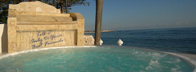 Jacuzzi pool VIP Beach