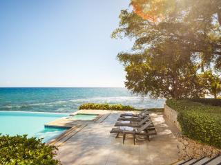 Oceanfront 6 Bedroom Villa, La Romana