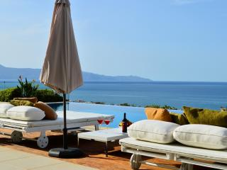 Winehill Top Luxury Villa 500mt to beach Platanias
