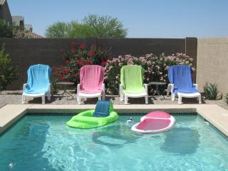 Beautiful 3 Bedroom, Private Pool, free Wifi/phone, San Tan Valley