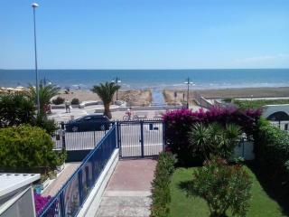 Grande Villa con giardino sul mare, Siponto