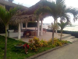 2 Bedroom 2 Bath Beachfront House Private access, La Entrada