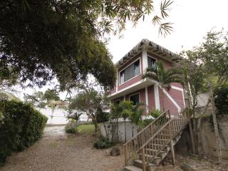3 Bedroom 3 bath Beachfront House private Beach