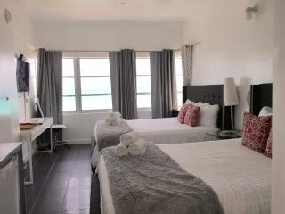 #1410 Chic Studio/ Shelborne  Sobe GREAT VIEW!, Miami Beach