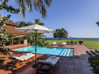 Oceanfront 4 Bedroom Villa, La Romana