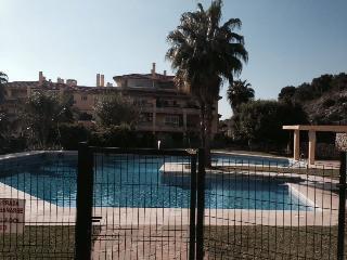 Superb apartment 3 pools, gym, paddle tennis, 19L