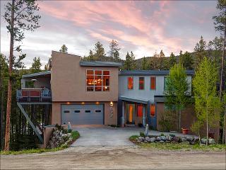 Elegant Contemporary Design - Lovely Wooded Views (13626), Breckenridge