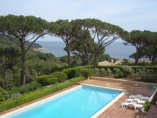 Villa with own heated pool and tennis access sea, Ramatuelle