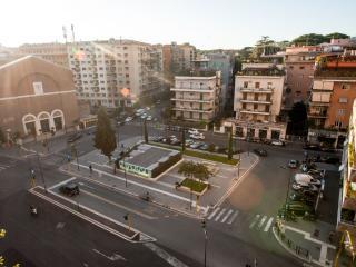 Vista Piazza Santa Emerenziana