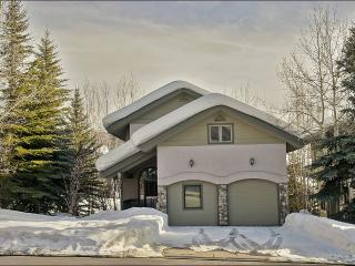 In the Heart of the Mountain Village Area - Walk To Slopes, Shops, Restaurants, Groceries (3206), Steamboat Springs