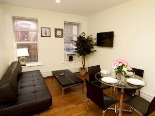 Times Square 3BR/1BA in Midtown West. Ideal for 8