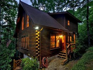 Astonishing 2 bedroom, 2 bath Mountain Cabin with Hot Tub and Flat Screens.