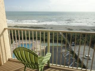 7520 Ridgewood Ave #910 :: Cape Canaveral Vacation Rental