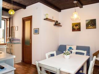 Perfect location apt in Old Town WITH FREE WI-FI, Alghero
